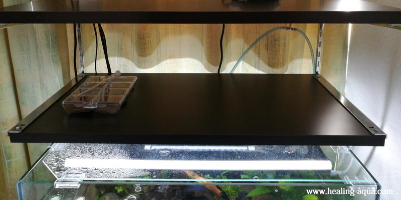 器具一体型のLED蛍光灯20wを取り付け作業