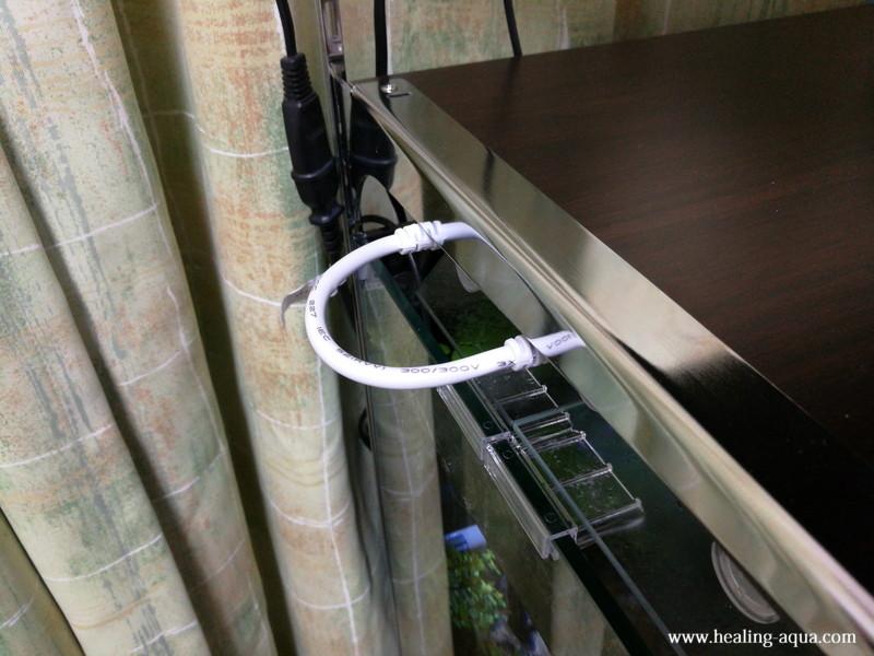 器具一体型直管LED蛍光灯連結線完成後