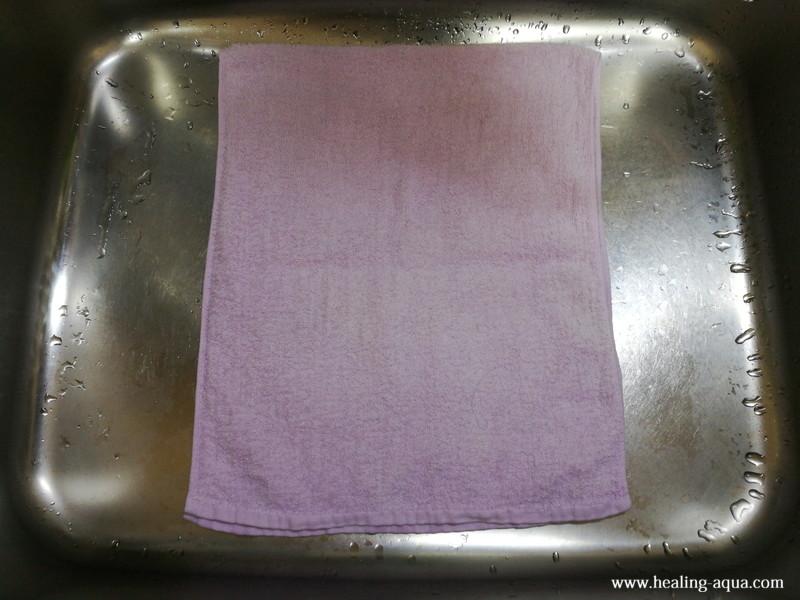 キッチンのシンクにタオルを敷く