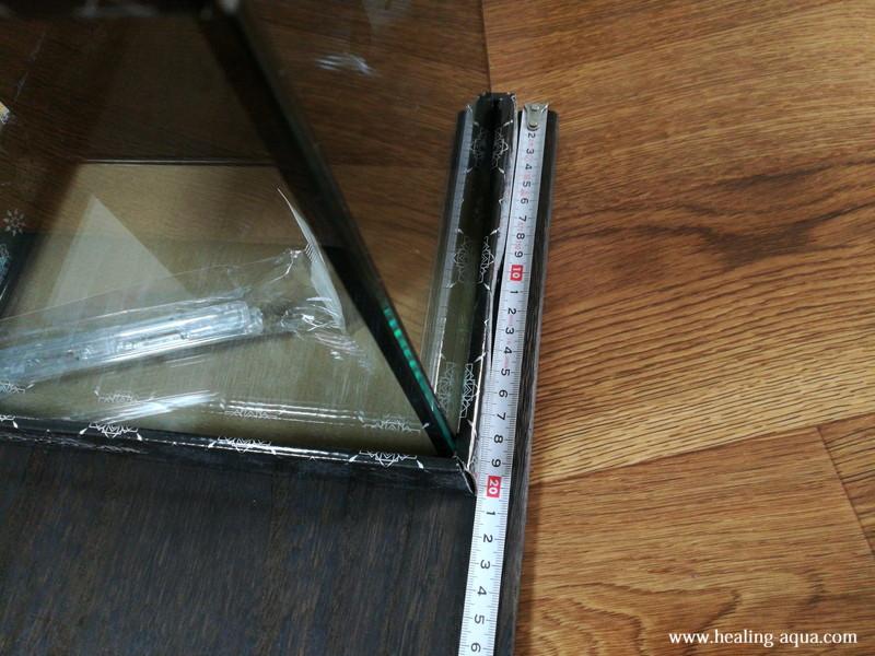 プラス10cm大きく板を切る