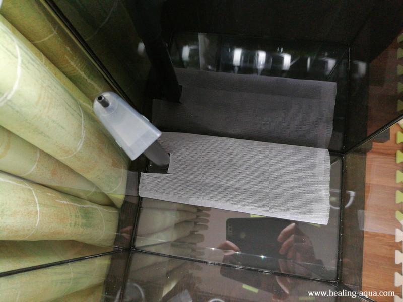 底面フィルターニッソーバイオフィルターミニに洗濯ネットを巻く完成