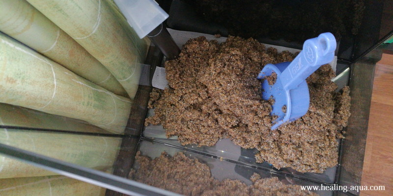 25cm水槽に底砂「田砂」を敷く