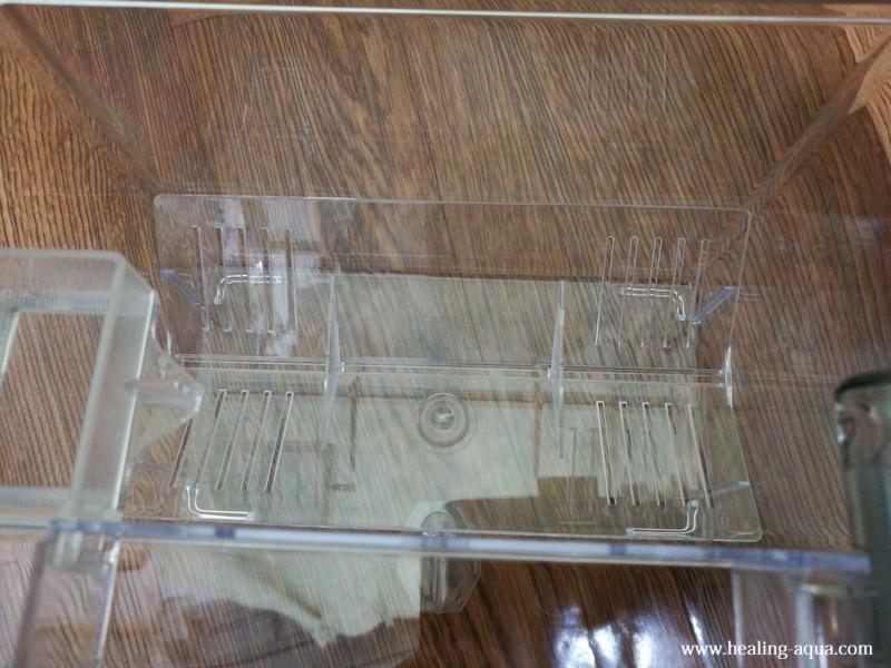 サテライト外掛式飼育ボックス:セパレーターを置く上からの写真