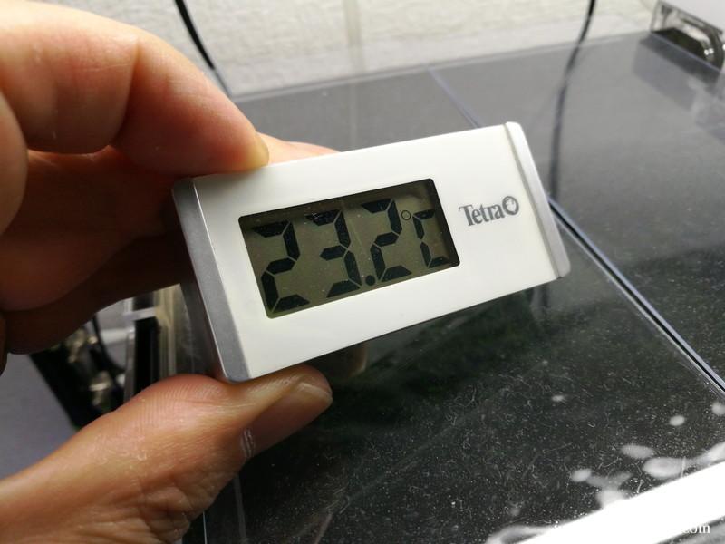 ファンを回して水容量の減りを観察:18時23分の水温