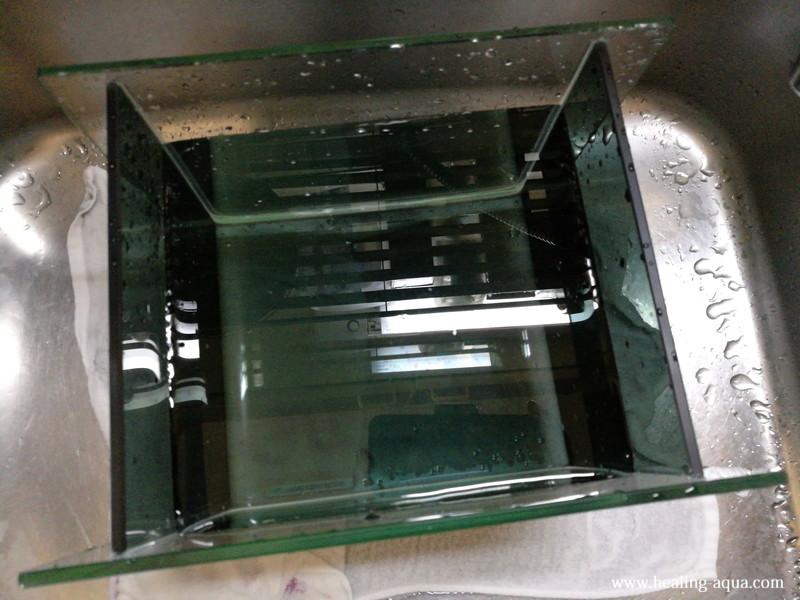 アーク250水槽を水洗いする
